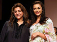 Amy Jackson walking the ramp with designer Bhairavi Jaikishan at LFW Summer Resort 2012 Photo