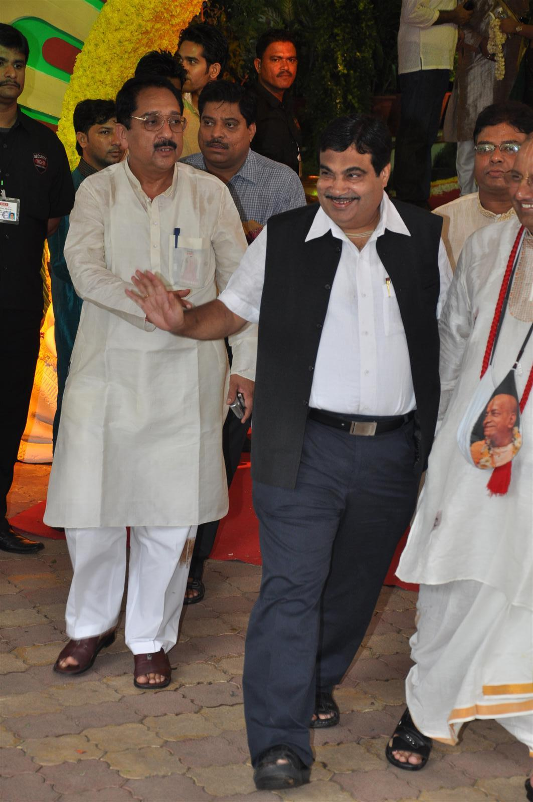 Nitin Gadkari Wedding Chief Nitin Gadkari at The
