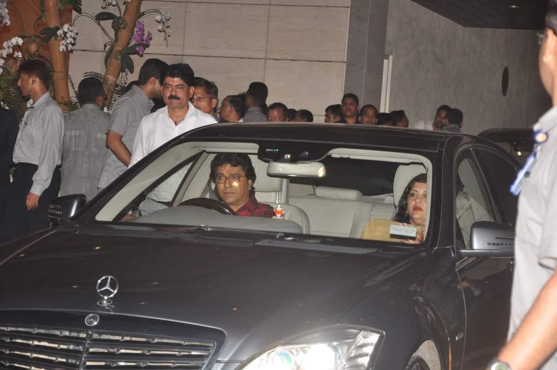 - 8025yqkhqax8cl33.D.0.MNS-chief-Raj-Thackeray-with-wife-Sharmila-at-Mukesh-Ambani-hosted-party-celebrating-100th-century-of-Sachin-Tendulkar