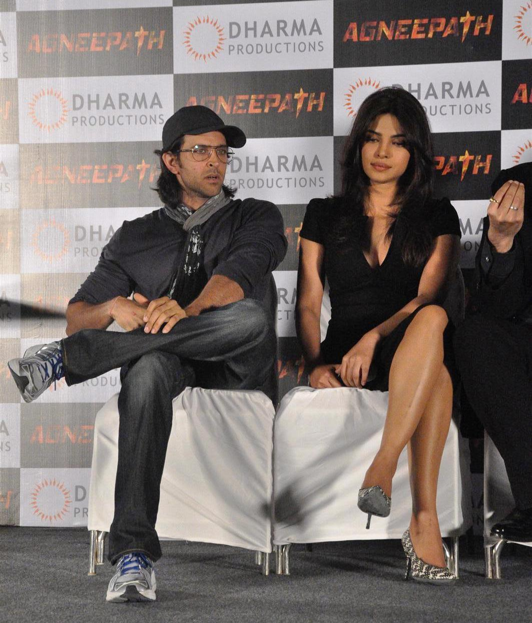 hrithik roshan priyanka chopra at film agneepath success celebration