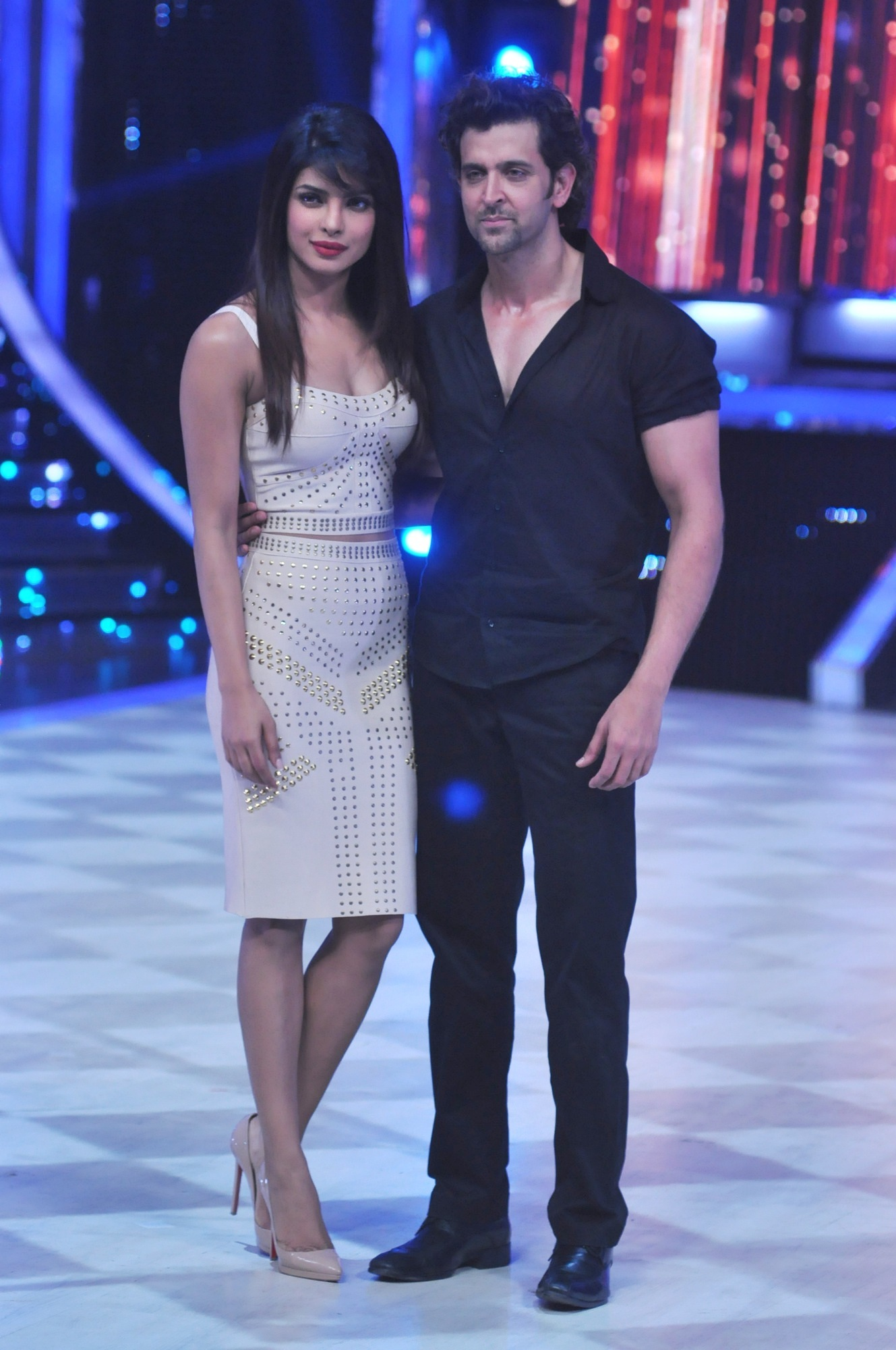 hrithik roshan with priyanka chopra promoting krrish 3 at jhalak