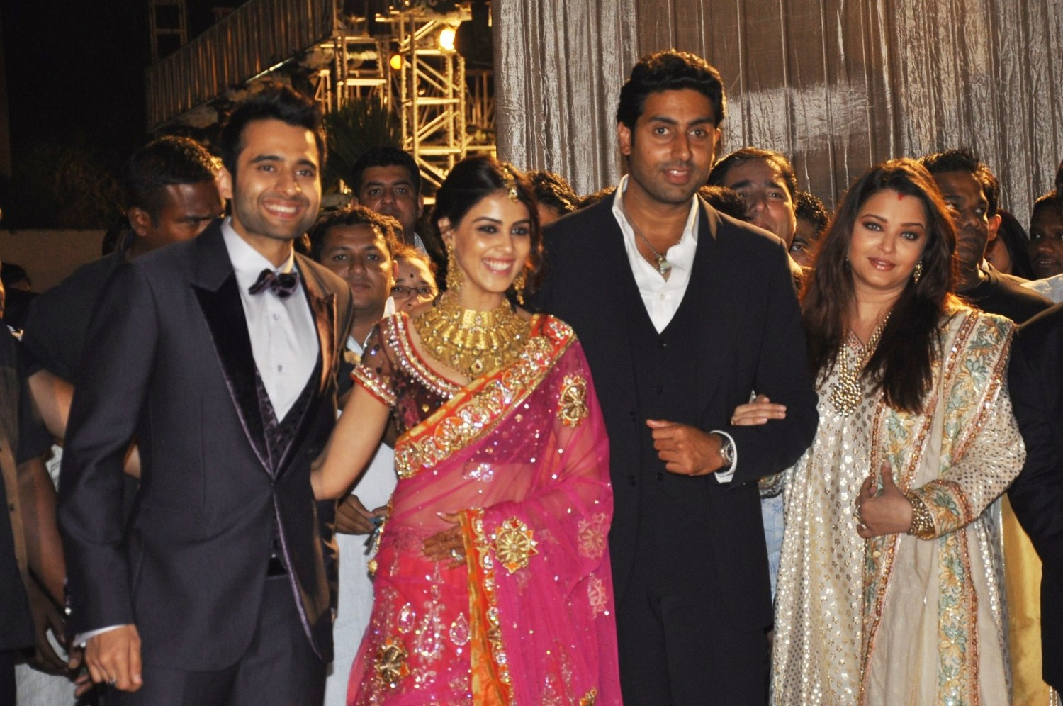 Jackky Bhagnani Genelia Abhishek Bachchan With Aishwarya Rai At The Wedding Reception Of Dheeraj Deshmukh And Honey 1