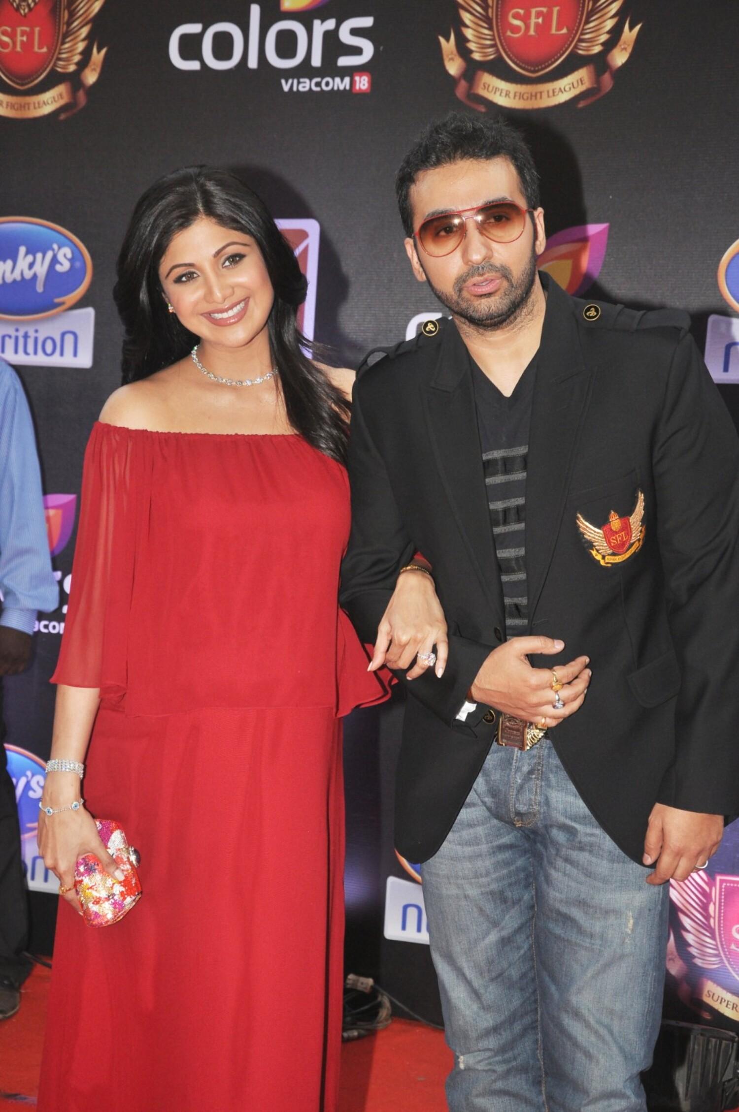 Shilpa Shetty with husband Raj Kundra at the inaugural Super Fight ...