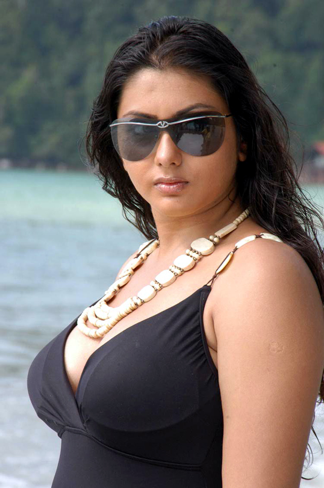 [Image: fbvbr8i3a2ebj6cg.D.0.Namitha-Photo-Shoot.jpg]