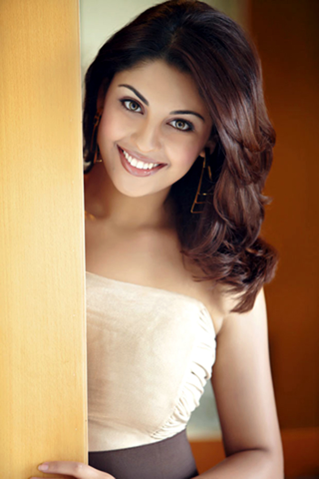 Download this Richa Gangopadhyay Hot Pic picture