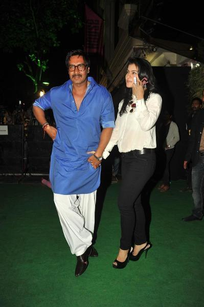 Ajay Devgan with wife Kajol at Suneil Shetty  s two new stores Discovery and R House launch in Mumbai