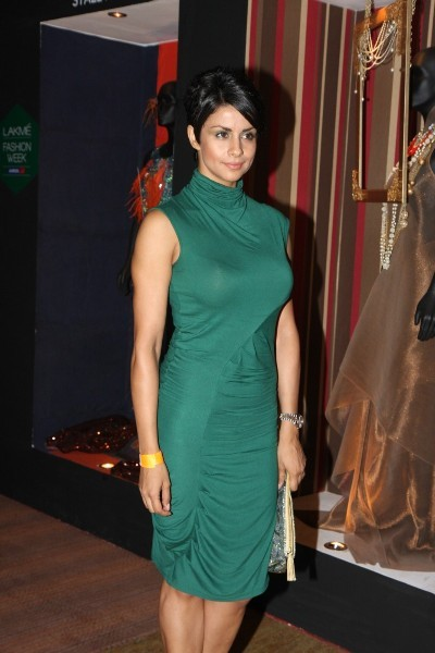Gul Panag at Anita Dongre fashion show at LFW Winter Festive 2012 in Mumbai  4