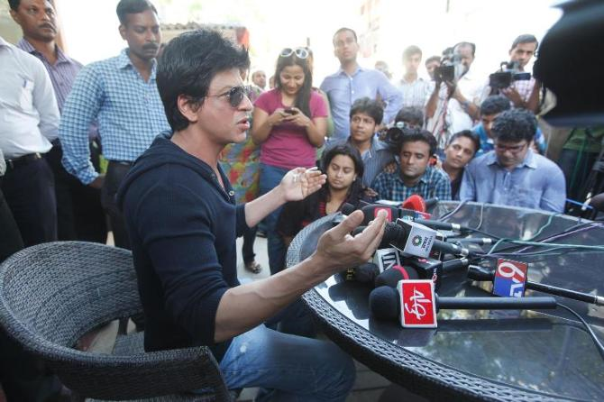 King Khan Shah Rukh Khan interacting with the media about the Wankhede Stadium MCA controversy brawl at the press conference at his villa Mannat in Mumbai  6