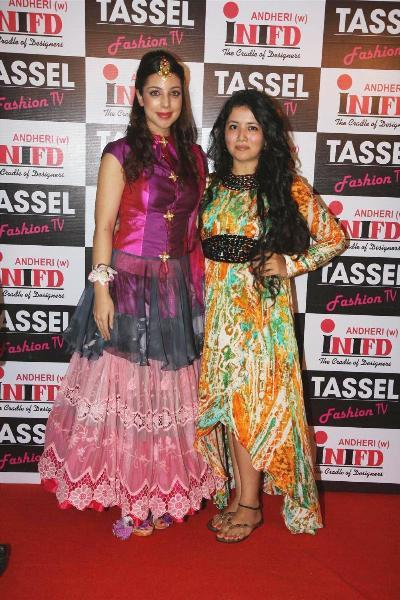 Student Designers at the TASSEL Designers Awards 2012 organised by iNIFD in Mumbai  3