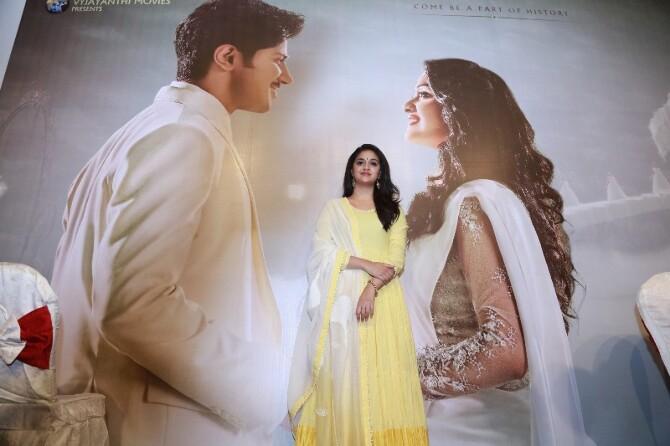 nadigaiyar thilagam movie photos-photo5