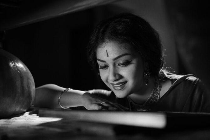 nadigaiyar thilagam movie photos-photo32