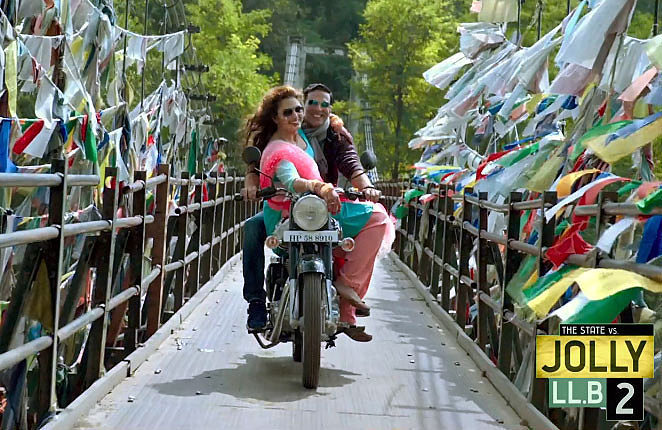 Huma Qureshi and Akshay Kumar Jolly LLB 2 Movie Stills  8