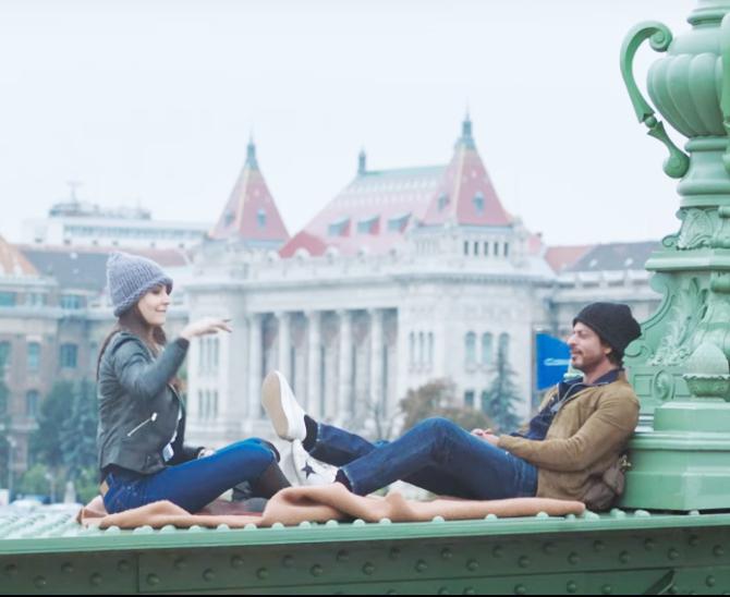 Anushka Sharma Shah Rukh Khan Jab Harry Met Sejal Movie Song Pics  2