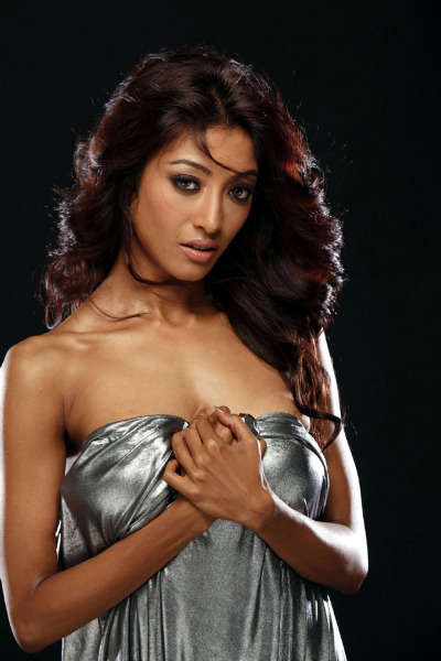 Paoli Dam Hot Images