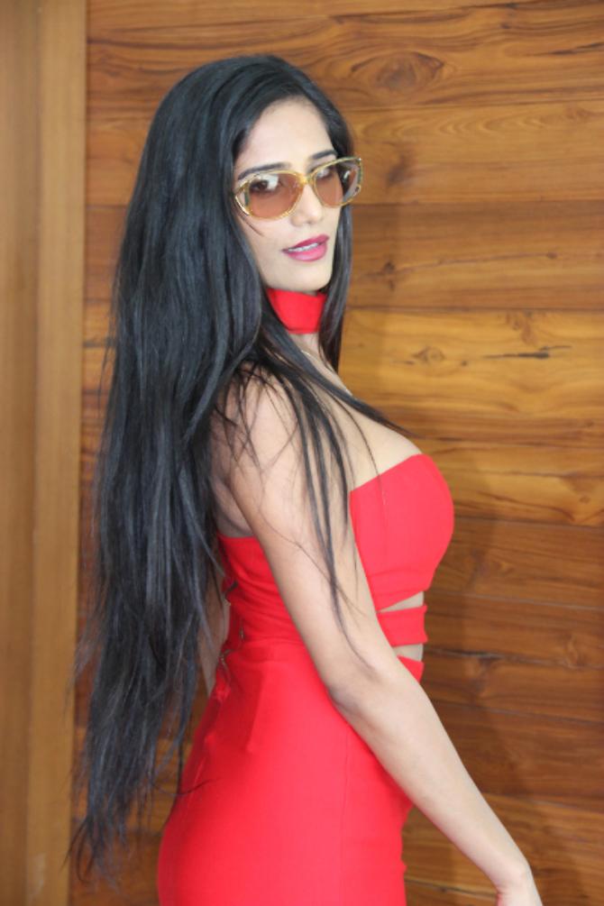 Poonam Pandey  s new film Opening  35