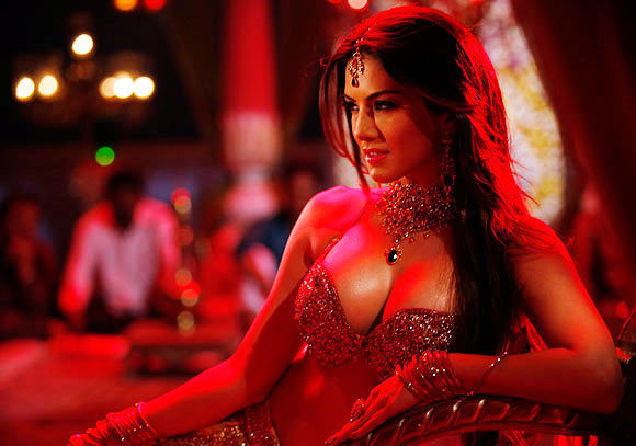 Sunny Leone In Shootout At Wadala Song Photo