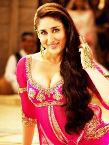 New Stills from Kareena Kapoor  s Mujra song