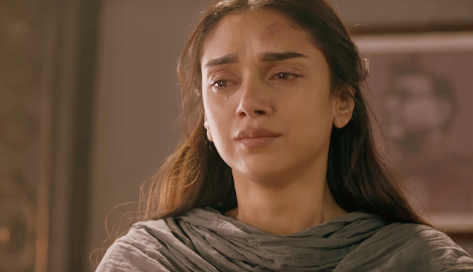 Aditi Rao Hydari Bhoomi Movie Stills  19