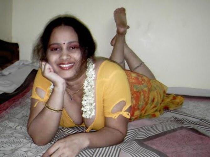 22 hot sexy mallu auntiy