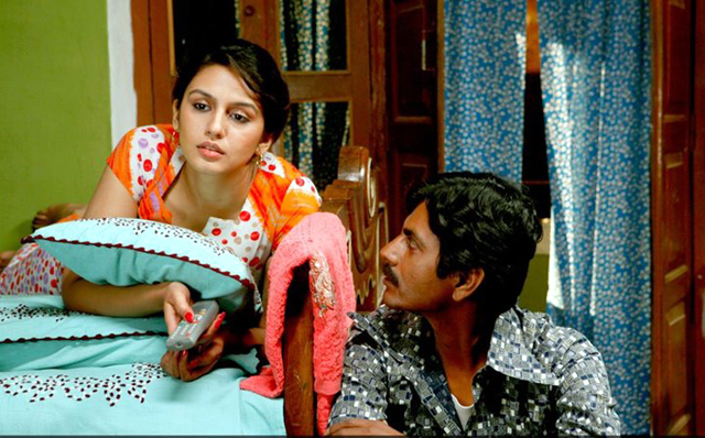Nawazuddin Siddiqui and Huma Qureshi Gangs of Wasseypur 2 Movie Pic