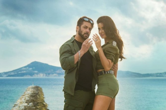 Katrina Kaif and Salman Khan Tiger Zinda Hai Movie Song Pic
