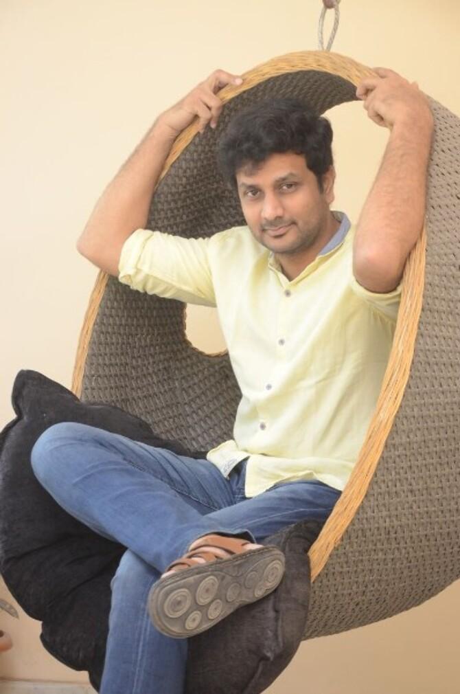 okka kshanam telugu movie photos-photo58