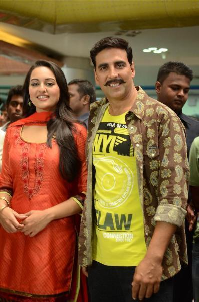 Akshay Kumar with Sonakshi Sinha at the shoot integration of SONY Channel TV Serial CID with their film Rowdy Rathore at Raghuleela Mall in Mumbai Photo