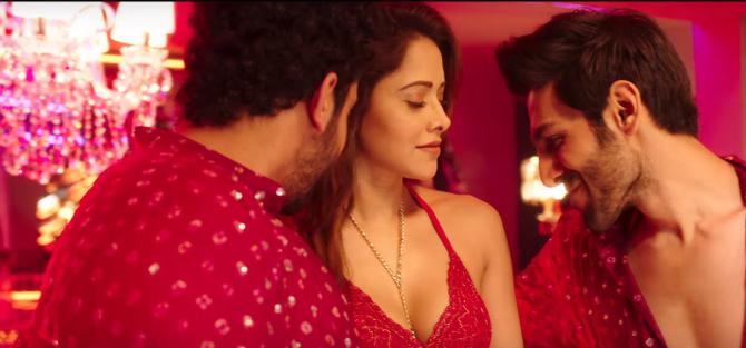 Nushrat Bharucha Sunny Singh  Kartik Aryan Sonu Ke Titu Ki Sweety Movie Song Pics 45