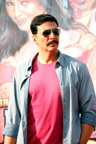 Akshay Kumar at his film ROWDY RATHORE promotions in Lokhandwala Complex in Mumbai Photo