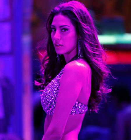 Mallika Haydon in Agent Vinod Movie Song PicMallika Haydon Agent Vinod