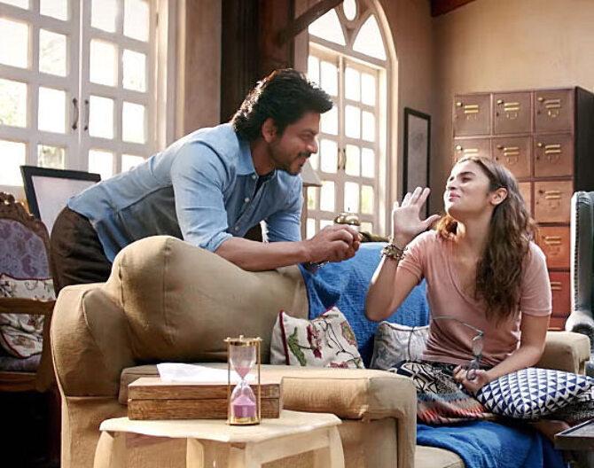 Alia Bhatt  Shah Rukh Khan Dear Zindagi Movie Song Stills  3