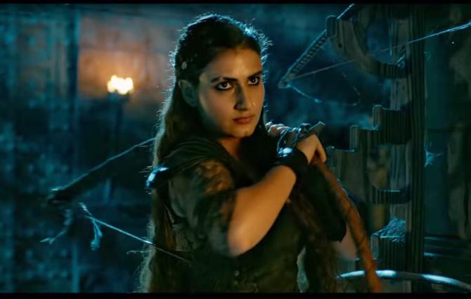 Fatima Sana Shaikh starrer Thugs Of Hindostan Movie Stills  8