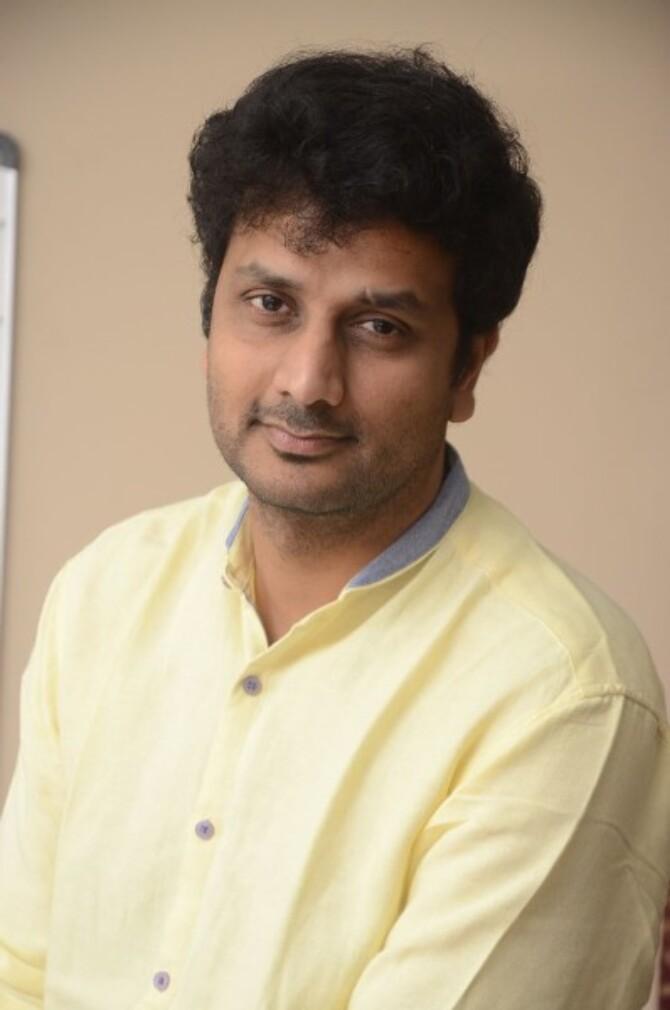 okka kshanam telugu movie photos-photo54