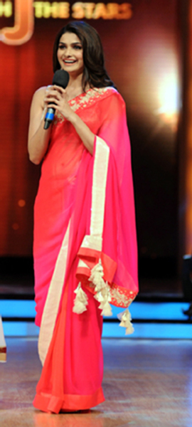 Prachi Desai on Jhalak Dikhlaja Show for Bol Bachchan Movie Promotion Photo