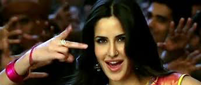 Katrina Kaif Chikni Chameli Agneepath Song First Look